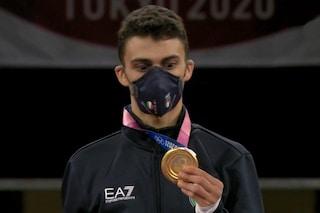 """L'emozione di Dell'Aquila, occhi sgranati davanti alla medaglia d'oro: """"Non ci credo"""""""