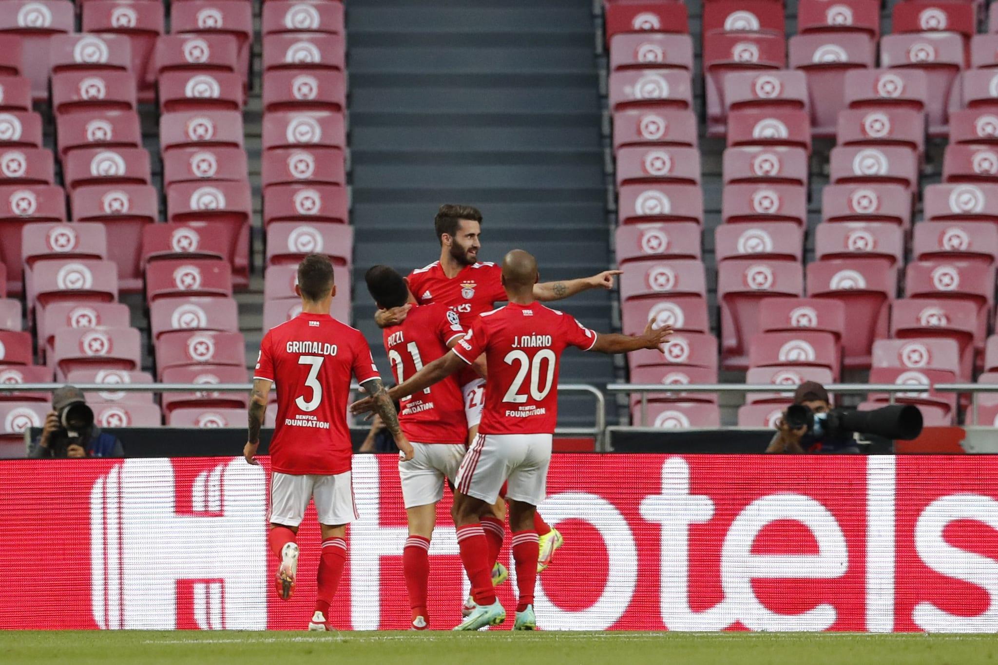 Playoff Champions League: Benfica batte PSV. Bene Malmo e Young Boys