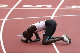 La storia più commovente delle Olimpiadi: l'atleta rifugiato in lacrime dopo la caduta
