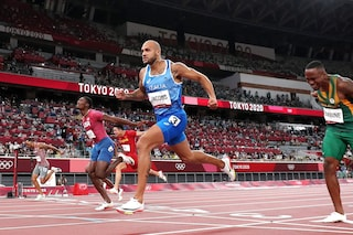 "Jacobs vince l'oro a Tokyo, Fabio Caressa perde la testa in telecronaca: ""Storia! Storia! Storia!"""