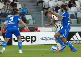 Juve flop ma anche l'arbitro Ghersini finisce sotto accusa: manca un rigore su Dybala