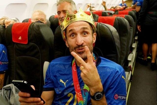 Giorgio Chiellini ha firmato il rinnovo con la Juventus, sarà bianconero a vita