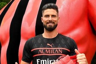 Giroud con la nuova maglia ricorda i grandi attaccanti del Milan: da Sheva a Papin e Van Basten