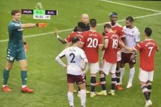 """""""Vieni a tirare tu"""": Martinez provoca Cristiano Ronaldo e balla in faccia ai tifosi dello United"""