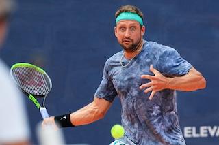 Un rimbalzo tradisce Sandgren: giudice di sedia colpito e squalifica, alla Djokovic