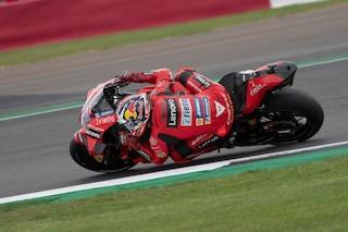 Nelle FP2 del GP di Aragon di MotoGP si parla italiano: volano Ducati e Aprilia. Rossi solo 19°