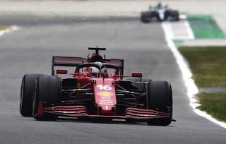 La Ferrari in Formula 1 non vince mai, nemmeno quando si ritirano Hamilton e Verstappen