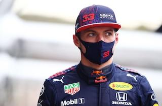 """Verstappen rinuncia alle qualifiche a Sochi, è polemica: """"Non può fare la gara"""", """"No, può partire"""""""