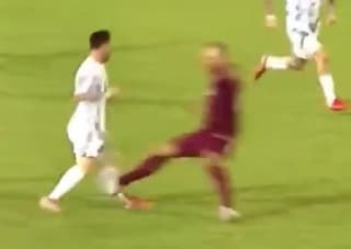 Il fallaccio che ha rischiato di spezzare la carriera a Messi: Martinez espulso (con il Var)