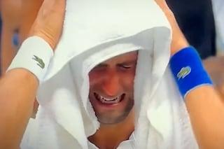 """Il crollo emotivo di Djokovic, sopraffatto in campo e dopo: """"Non so quando giocherò di nuovo"""""""