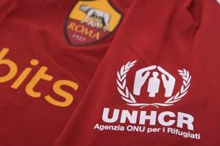 La Roma vicina ai rifugiati afghani, contro il Sassuolo maglia speciale e asta benefica