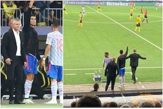 """Cristiano Ronaldo fa l'allenatore, Ferdinand sbotta: """"Basta con queste spacconate, siediti"""""""