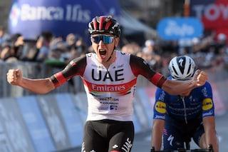 Pogacar show, vince anche il Giro di Lombardia: Masnada secondo battuto in volata