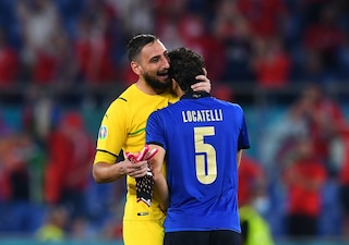 """La Nazionale fa da scudo a Donnarumma: """"Lo abbiamo abbracciato"""""""
