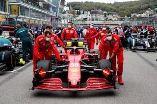 Sainz penalizzato in griglia di partenza nel GP della Turchia: nuovo motore sulla sua Ferrari