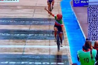 """Elisa Longo Borghini porta l'Italia sul podio della prima Roubaix femminile: """"È storia"""""""