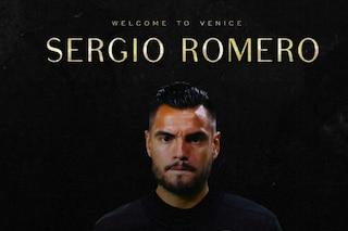 Colpo del Venezia, Sergio Romero è ufficiale: il portiere torna in Serie A dopo 6 anni