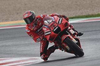 Griglia di partenza MotoGP GP Misano 2021, Bagnaia in pole dopo le qualifiche: Rossi partirà ultimo