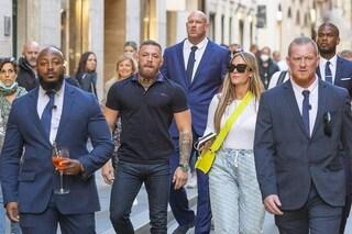 Conor McGregor in vacanza a Roma: 4 guardie del corpo sempre con lui e lusso sfrenato