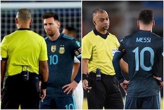 """""""Lo fa apposta"""", Messi si sfoga sui social contro l'arbitro brasiliano Sampaio"""