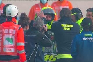 Lacrime e giro d'onore per Valentino Rossi: Misano abbraccia il campione per l'ultima volta
