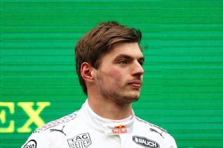 """Verstappen cambia strategia e si mette sulla difensiva: """"Hamilton favorito per il Mondiale"""""""