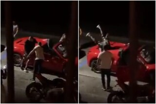 Vidal ripreso all'uscita da un locale: non sta in piedi e si ribalta sull'auto