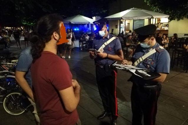 Controllo dei carabinieri a San Lorenzo, multe per il mancato rispetto delle distanze