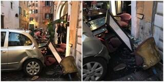 Auto piomba contro un ristorante in piazza delle Coppelle: tre feriti tra cui un bambino