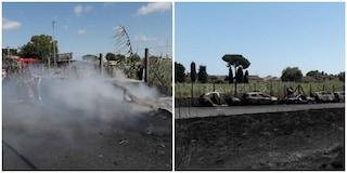 Incendio a Castel Fusano: bruciano nove auto, forse è doloso