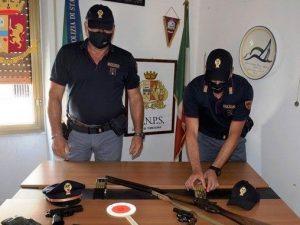 Le armi detenute in casa dal signore – foto di repertorio