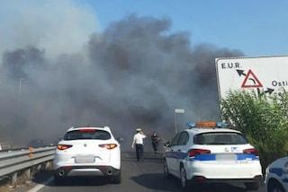 Incendio alla Magliana, fumo sul viadotto: chiuso il traffico