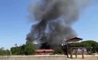 Incendio sulla Prenestina, brucia una casa cantoniera: fiamme e fumo nero