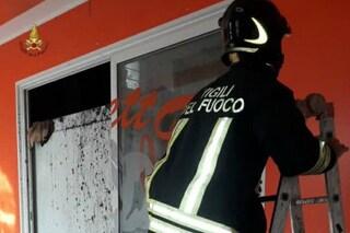 Incendio a Roma, brucia un laboratorio di cornetti: intervengono i vigili del fuoco