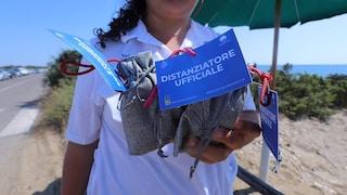 Bagnino positivo a Sabaudia: il comune fornisce ai bagnanti un kit per il distanziamento sociale