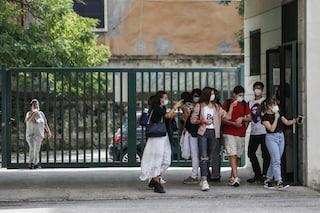 """Lazio, non tutte le scuole riapriranno il 14 settembre: """"I banchi singoli non sono ancora arrivati"""""""