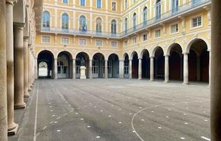 Positivo uno studente dell'Istituto De Merode: chiuso l'intero il liceo dei vip a Piazza di Spagna