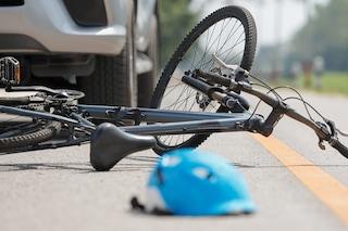 Incidente a Ferentino: camion travolge bici, ciclista trascinato sull'asfalto per decine di metri