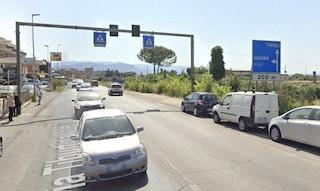 Incidente a Guidonia Montecelio, auto travolge una donna: è grave