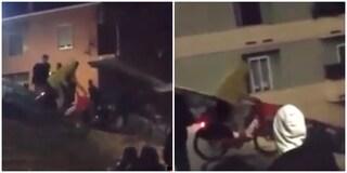 Trastevere: si lancia con una bici in sharing giù per la scalinata del Tamburino