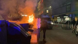 Piazza del Popolo, tensione a manifestazione dell'estrema destra: bombe carta e lanci di bottiglie