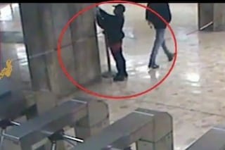 Roma, rubano otto defibrillatori dalle stazioni metro per poi rivenderli: arrestati