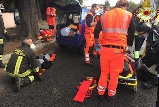 Incidente tra auto a Circonvallazione Clodia, pompieri estraggono 2 donne dalle lamiere: sono gravi