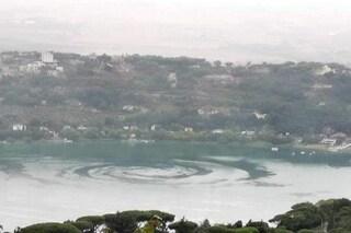 Mega mulinello al centro del lago di Castel Gandolfo: la spiegazione