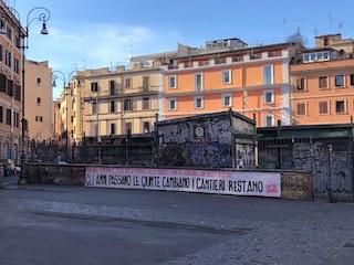 """Blitz degli attivisti a San Lorenzo: """"Quartiere lasciato al degrado, basta proclami elettorali"""""""