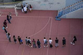 Fiumicino, chiuse le palestre scolastiche agli esterni: la città protesta contro il Comune