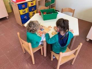 """Scuola inagibile, ma bimbi tornano in classe a tempo record: """"Grazie a solidarietà altri istituti"""""""
