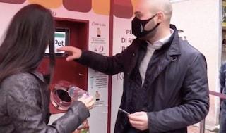 Nei mercati di Roma arrivano le macchinette 'mangiaplastica': in premio 1 euro ogni 100 bottiglie