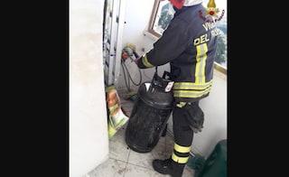 Esplode il quinto piano di un palazzo a Pomezia, ci sono feriti