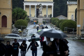 Cimiteri in tilt e salme stipate: Ama assume 20 seppellitori